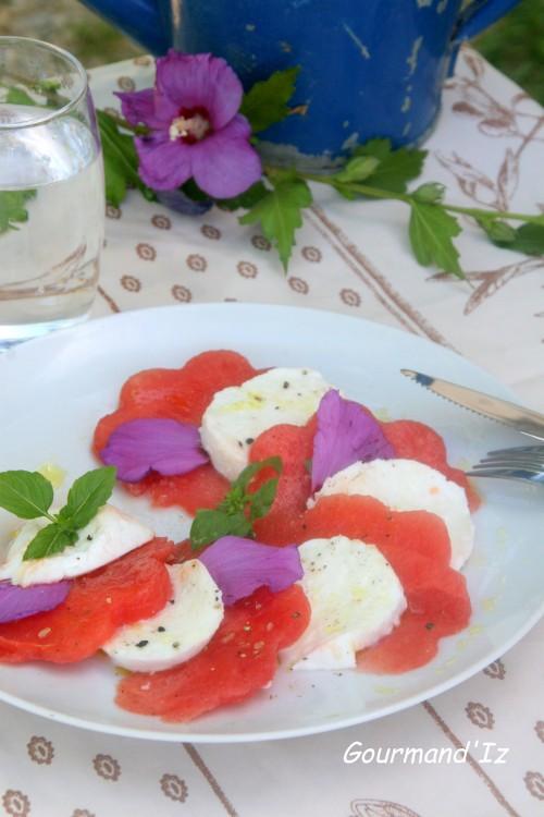 salade, pastèque, mozarella, fleurs