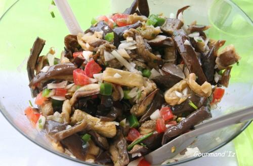 aubergines,salade,citron vert,coriandre,ciboulette