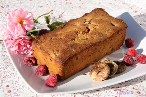 cake, figues, framboises, amandes, pierre hermé, cake garance