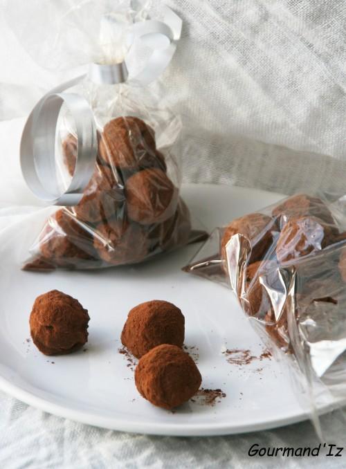recettes de truffes au chocolat, truffes au chocolat, enrobage, tablage du chocolat au bain marie, ail noir et chocolat