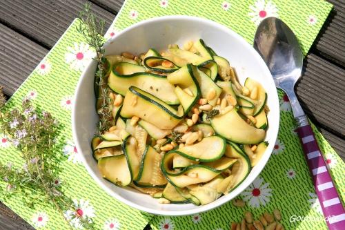 salade de courgettes, pignons