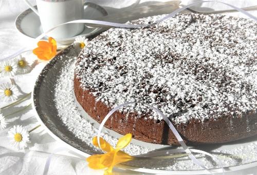 torta caprese, gâteau fondant au chocolat, amandes
