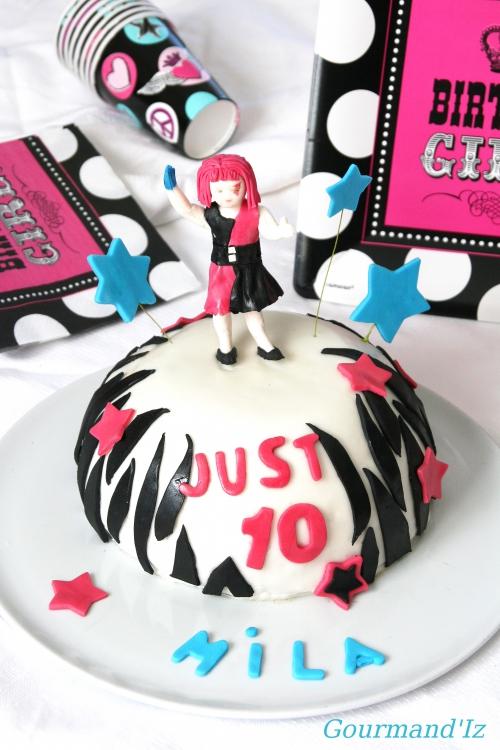cake design, just dance cake, gâteau au carambar, gâteau smarties